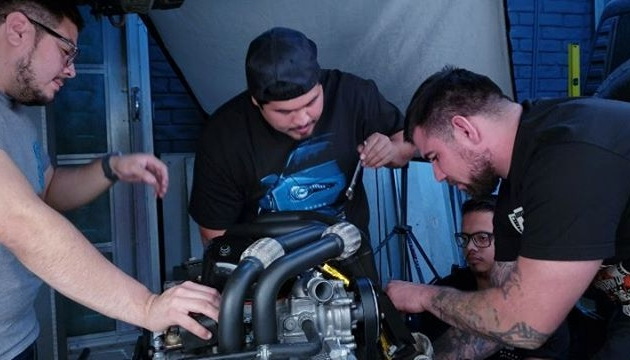 @staycrushing still working on getting the engine ready to drop