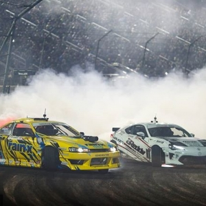 Counting down the hours until 2019! How are you ringing in the New Year? @alechohnadell | @nexentireusa vs. @kengushi | @falkentire   #FormulaDRIFT #FormulaD