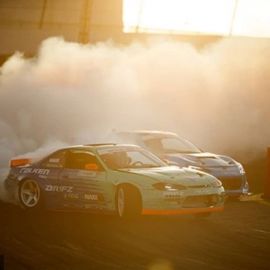 Golden Hour @falkentire   @odidrift vs. @daiyoshihara More bright battles to come at RD1: The Streets of Long Beach on Apr 5-6th. Tickets on Sale Now: (link in bio) #FormulaD #FormulaDRIFT