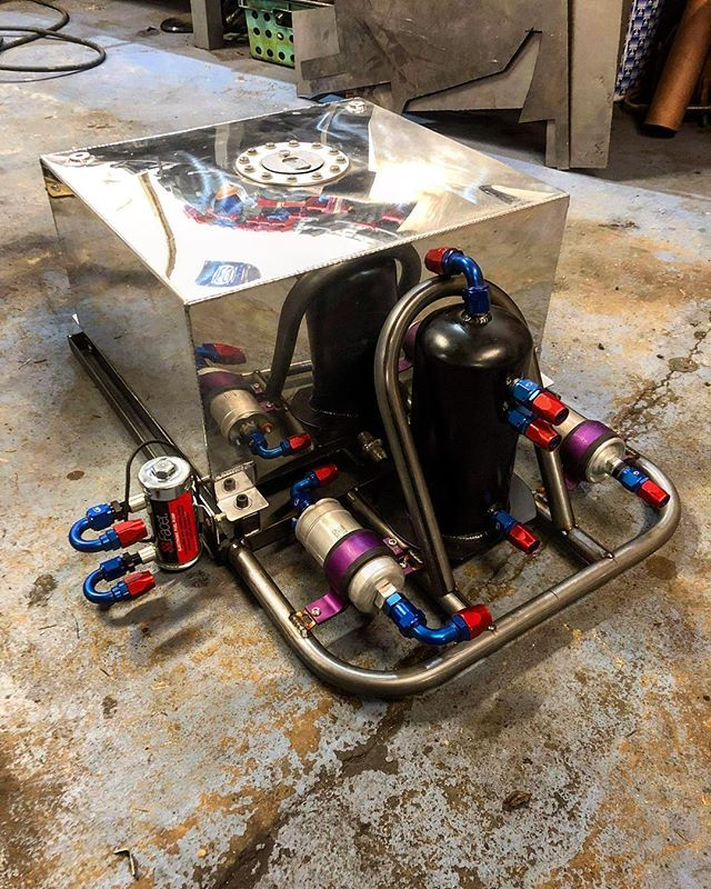 Fuel system mocked up onto the 'skid' love how neat and compact this is 🏻 ️ ️ ️ ️ ️ ️ ️ ️ ️ ️ ️
