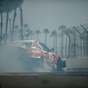 Palm trees and drifting, can you name a better combo? @michaelessa | @achillestire Looking ahead to RD1: The Streets of Long Beach on Apr 5-6th. Tickets on Sale Now: (link in bio) #FormulaD #FormulaDRIFT