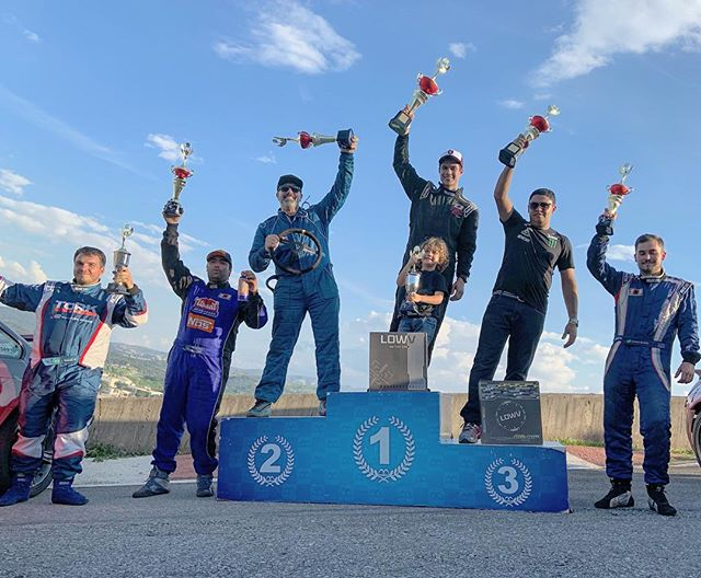 My fave podium because it's on a steep hill and everyone has to lean. Congrats to @diegohiga in 1st, @driftkoch in 2nd and @joaobarion in 3rd at @superdriftbrasil Round 1. The driving here has improved an incredible amount since I first started coming in 2017, I'm proud of their progress!