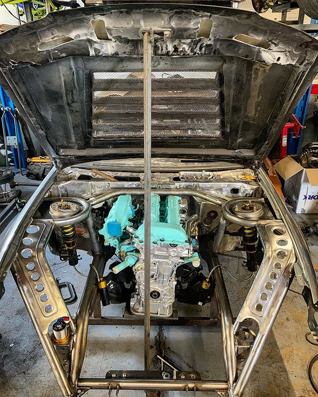 The engine bay is really starting to come together, some more panelling towards to rear of the bay and it's about finished 🏻 ️ ️ ️ ️ ️ ️ ️ ️ ️ ️ ️