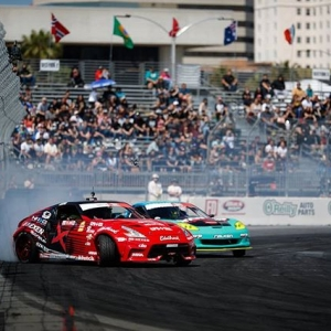 All skidding aside  #FDLB @jeffjonesracing | @nexentireusa vs. @mattfield777 | @falkentire Getting serious for @autozone RD2: Scorched presented by @blackmagicshine in Orlando, FL. Apr 26-27. Tickets: (link in bio) #FormulaD #FormulaDRIFT #FDORL