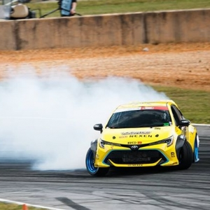With a score of 99, @fredricaasbo takes the number 1 qualifying spot! . #formuladrift #formulad #fdatl :@larry_chen_foto