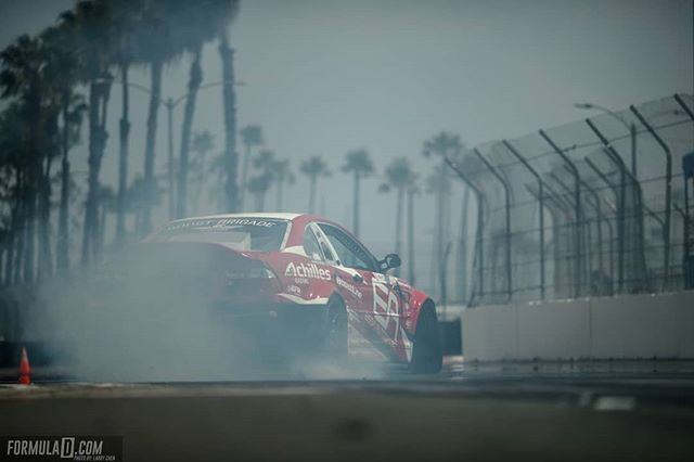 Palm trees and drifting, can you name a better combo? @michaelessa | @achillestire  Looking ahead to RD1: The Streets of Long Beach on Apr 5-6th. Tickets on Sale Now: (link in bio)