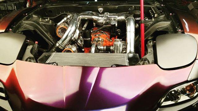 One shinny piece  Twin Turbo KMR RX7.   @formulad @enjauto #kmr-apexseals @turbo.guard @turboneticsinc @haltechecu