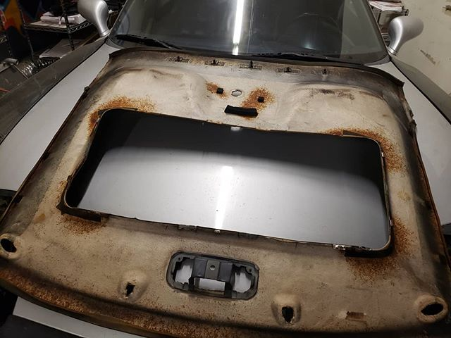 """Project Gross"" Headline Liner is out to gain access to a butchered FD3S sunroof"