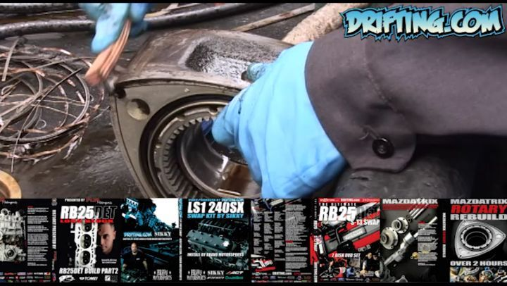 Clean Carbon from Rotors - Rotary Rebuild by @kylemohanracing at @mazdatrixofficial Full Video Sold on @driftingcom